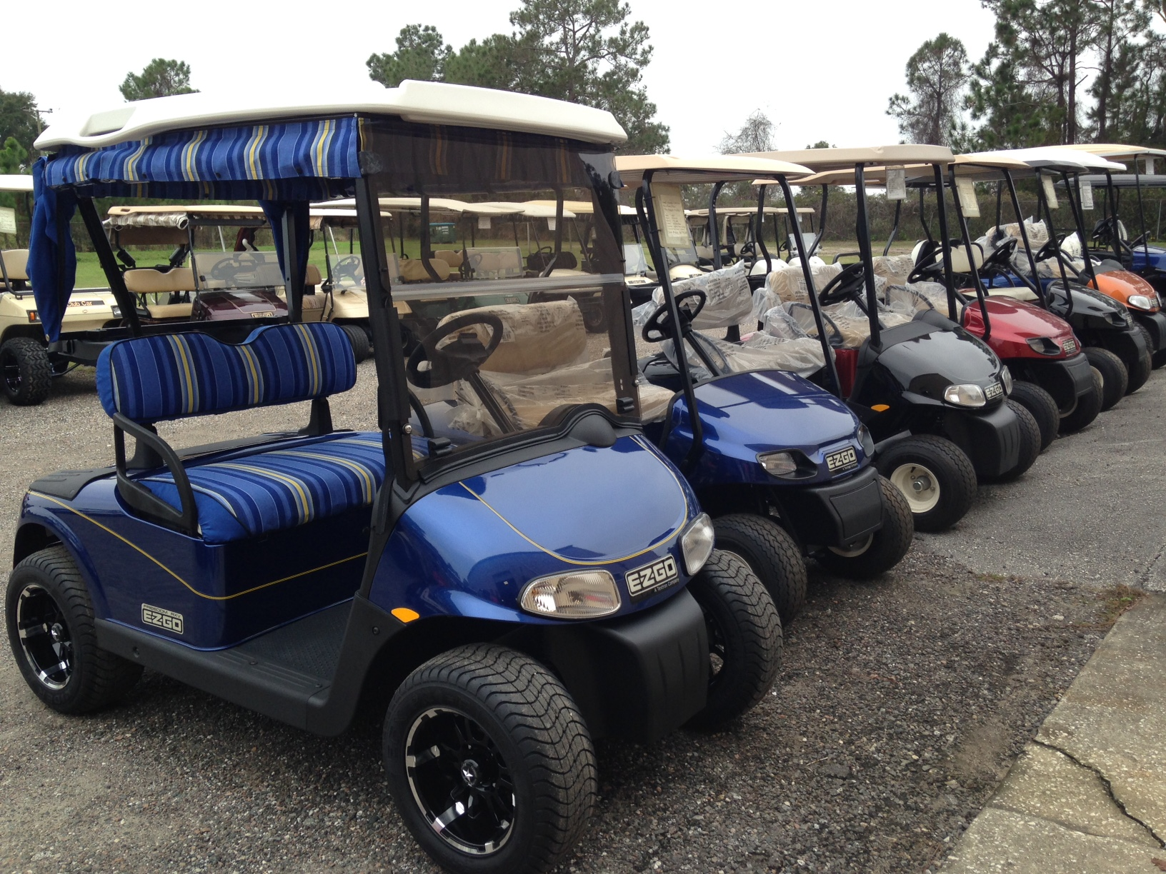 Understanding the sizes and styles of golf carts gulf for Golf cart garage door dimensions